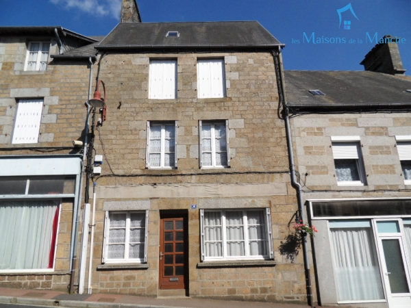 Maison de 89 m² proche tous commerces à SAINT POIS (50670)