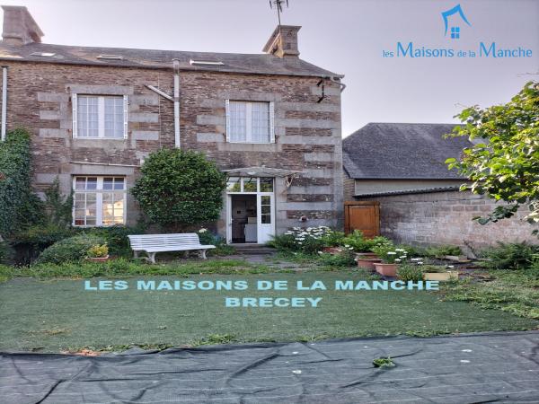 Grande Maison de bourg à quelques kilomètres de BRECEY