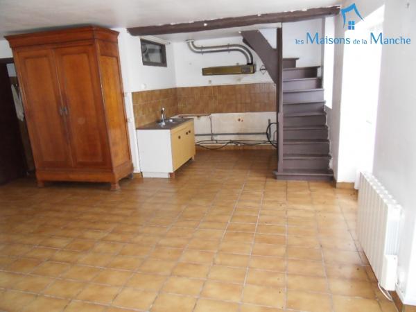 Maison de 103 m² dans bourg LA MANCELLIERE (50540)