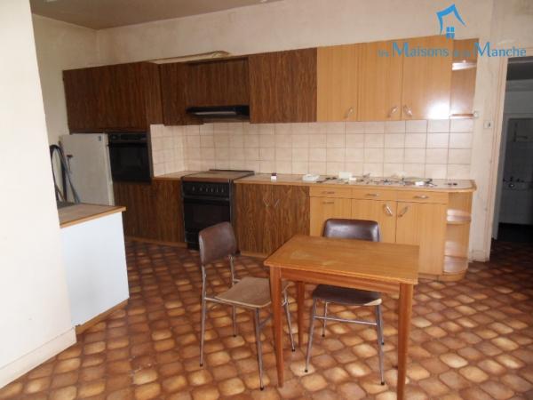 Ensemble de 3 logements 352 m² dans le bourg de BRECEY (50370)
