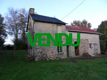 Ancienne maison à rénover à quelques kilomètres de BRECEY-vendu