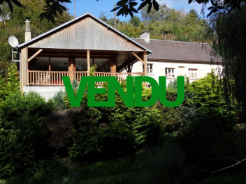 Maison atypique de 177 m² construite sur un rocher à moins de 10 km de BRECEY (50370)-vendu