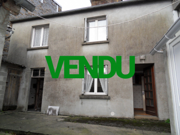 Maison de 120 m² dans un bourg proche commerces-vendu