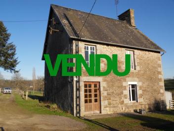 Maison en pierre à rénover à environ 6 km de BRECEY-vendu